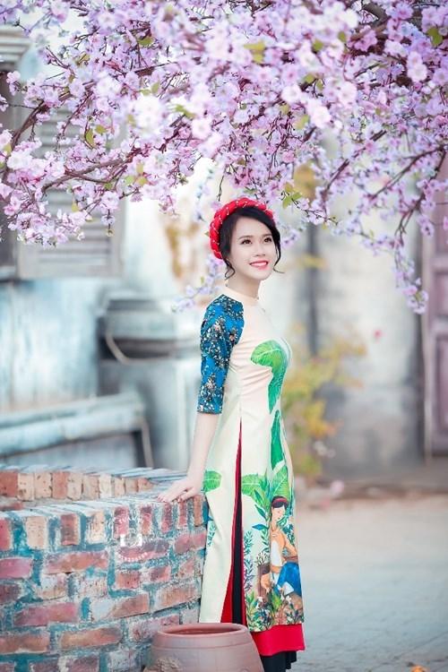 Nữ sinh duyên dáng bên vườn đào ngày cận Tết gây sốt - ảnh 10