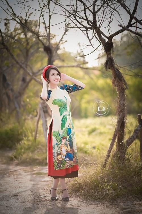 Nữ sinh duyên dáng bên vườn đào ngày cận Tết gây sốt - ảnh 11