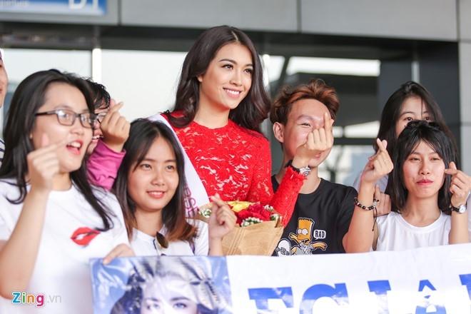 Pham Huong tien Le Hang len duong thi Miss Universe hinh anh 7