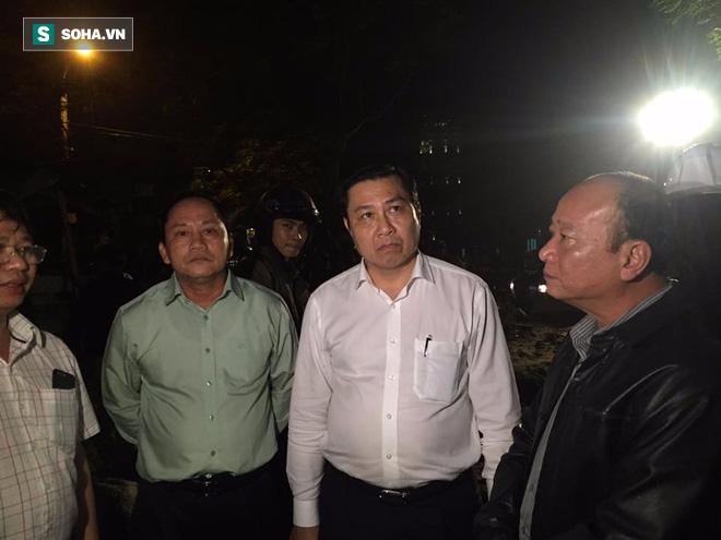 [NÓNG] Sập công trình ở Đà Nẵng, 5 người được đưa ra ngoài - Ảnh 2.