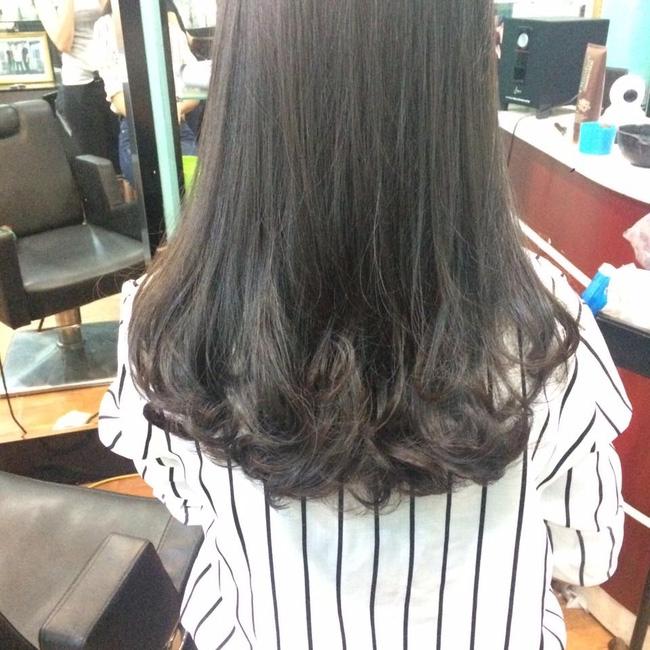 Tốn gần 2 triệu làm tóc xoăn ăn Tết, cô gái đau đớn nhận được quả đầu xù như... râu ngô - Ảnh 6.