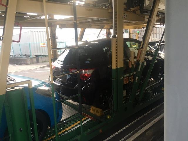 Toyota Yaris 2017 bất ngờ bị bắt gặp khi đang được vận chuyển đến đại lý - Ảnh 2.