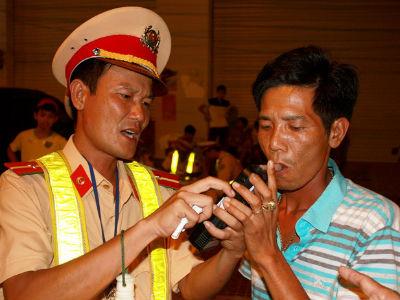 CSGT Bình Định phạt người uống rượu lái xe gần 3 tỷ đồng