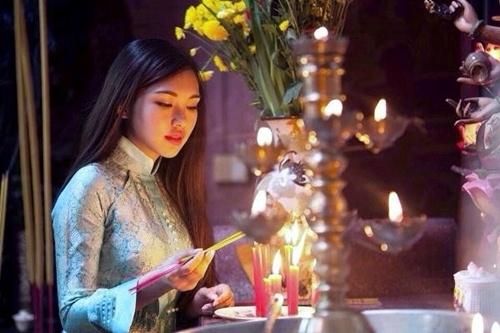 Những điều nên biết trước khi muốn lau dọn bát hương ngày Tết