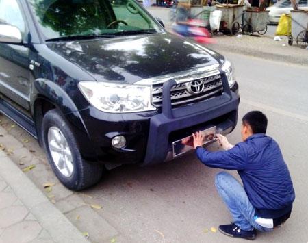 Cục Đăng kiểm Việt Nam cho biết, việc cấp 1 biển hay nhiều biển số xe không ảnh hưởng gì tới hoạt động đăng kiểm