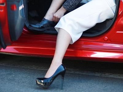 Mẹo bỏ túi cho phái đẹp lái xe du xuân an toàn