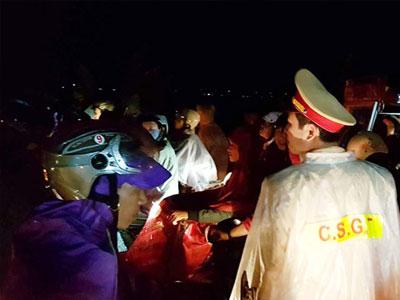 Trắng đêm đảm bảo an ninh cho 10 vạn du khách thăm chợ Viềng