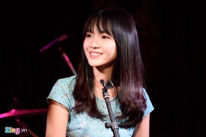 Hot girl bolero: 'Anti-fan noi toi chan dai, nao ngan' hinh anh 1