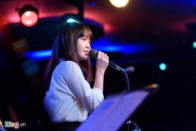 Hot girl bolero: 'Anti-fan noi toi chan dai, nao ngan' hinh anh 3