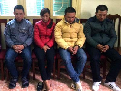 Tạm giữ nhóm cưỡng đoạt tài sản trên cầu Thăng Long