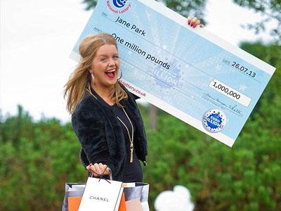 Trúng thưởng gần 25 tỷ, cô gái quyết định kiện công ty xổ số vì làm đời cô xuống dốc gấp 10 lần