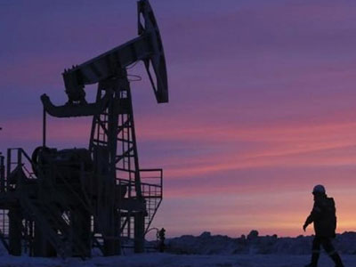 Vì sao giá dầu tăng gấp đôi chỉ trong một năm?