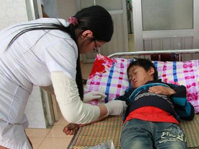 Vụ 8 người chết: Phụ nữ, trẻ em không uống rượu cũng ngộ độc