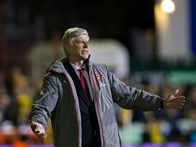 Arsene Wenger muốn được như Sir Alex Ferguson