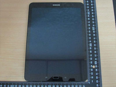 Lộ ảnh máy tính bảng của Samsung một tuần lễ trước khi ra mắt