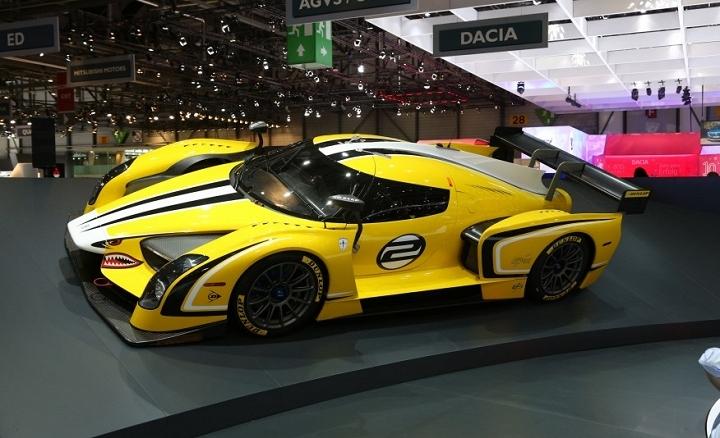 SCG003-race-car-1041-876x534