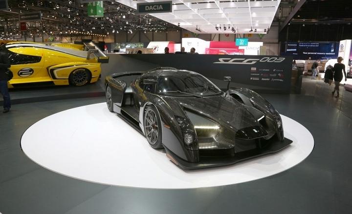 SCG003-race-car-119-876x534