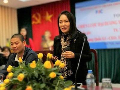 Nhà báo Tạ Bích Loan làm Trưởng bộ môn của ĐH Khoa học Xã hội và Nhân văn