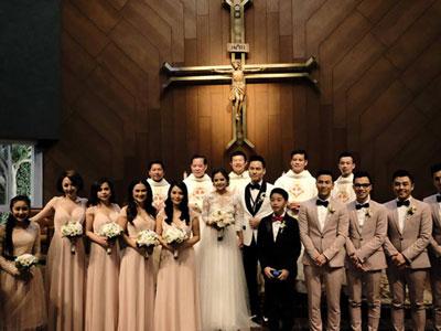 Hôn lễ ấm áp tại nhà thờ của Đình Bảo AC&M