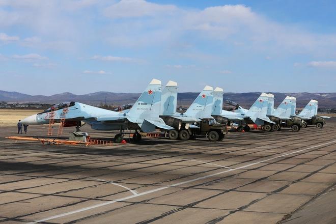 Phi đội tiêm kích đa năng Su-30SM mới tinh chuẩn bị đáp xuống sân bay Nội Bài? - Ảnh 1.
