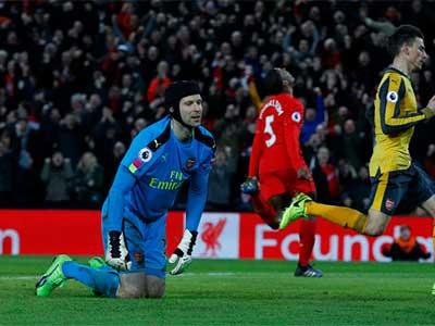 Petr Cech thừa nhận Arsenal hết cửa vô địch Ngoại hạng Anh