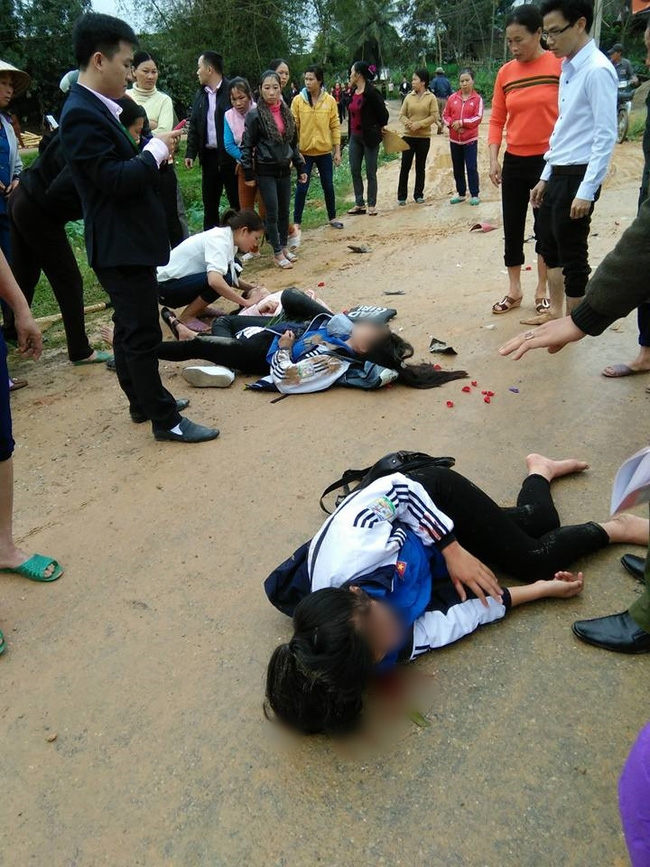 Nghệ An: 3 nữ sinh THPT bị xe đâm nhập viện ngày 8/3 - Ảnh 2.
