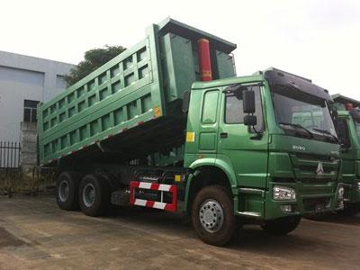 """Hàng loạt xe tải """"chui lọt"""" quy định khí thải: Cục đăng kiểm nói gì?"""