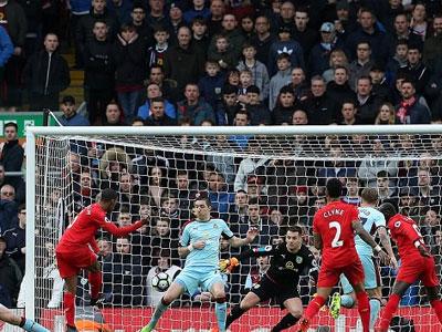 Liverpool 2-1 Burnley: Các siêu sao tịt ngòi, đội quân của Klopp