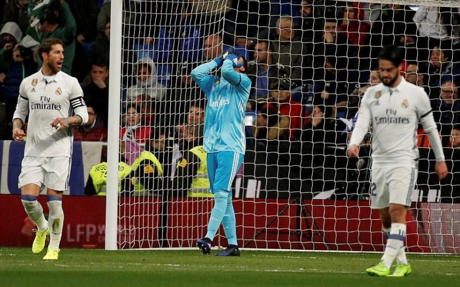 Ronaldo lap ky luc, Real doi lai ngoi dau tu tay Barca hinh anh 7