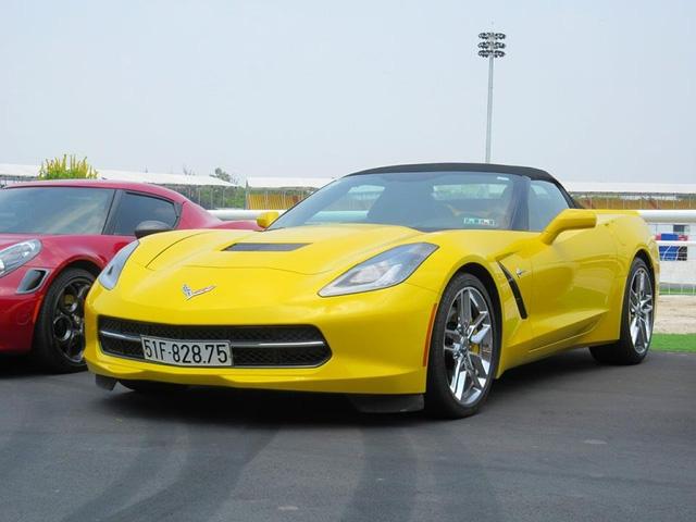 Nữ tay đua đốt lốp Chevrolet Corvette C7 Stingray mui trần tại trường đua 2.000 tỷ Đồng của Dũng lò vôi - Ảnh 8.