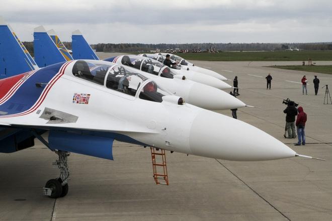 NÓNG: Phi đội tiêm kích Su-30SM thẳng tiến đến Việt Nam, ít giờ nữa sẽ hạ cánh tại Nội Bài - Ảnh 2.