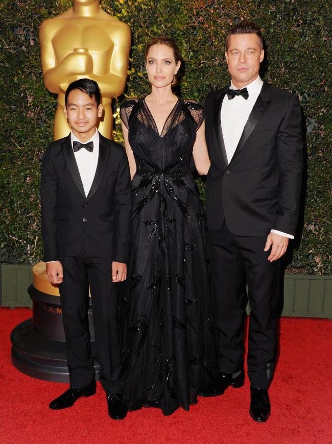 Angelina Jolie bị tố giả mạo giấy tờ nhận con nuôi tại Campuchia - Ảnh 3.