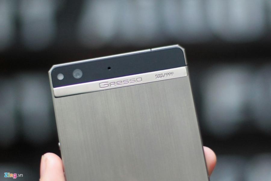 Smartphone sieu sang cua Nga ve VN gia 68 trieu dong hinh anh 6
