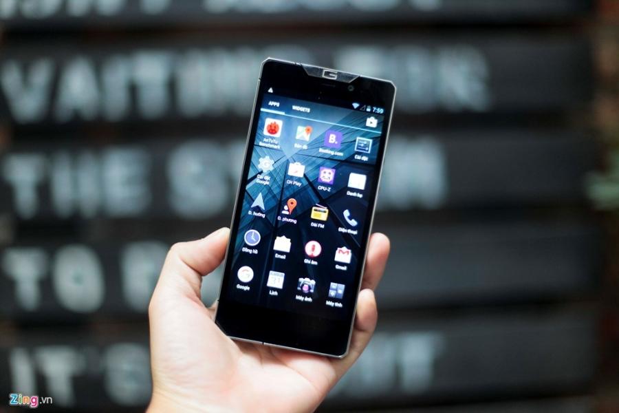 Smartphone sieu sang cua Nga ve VN gia 68 trieu dong hinh anh 11