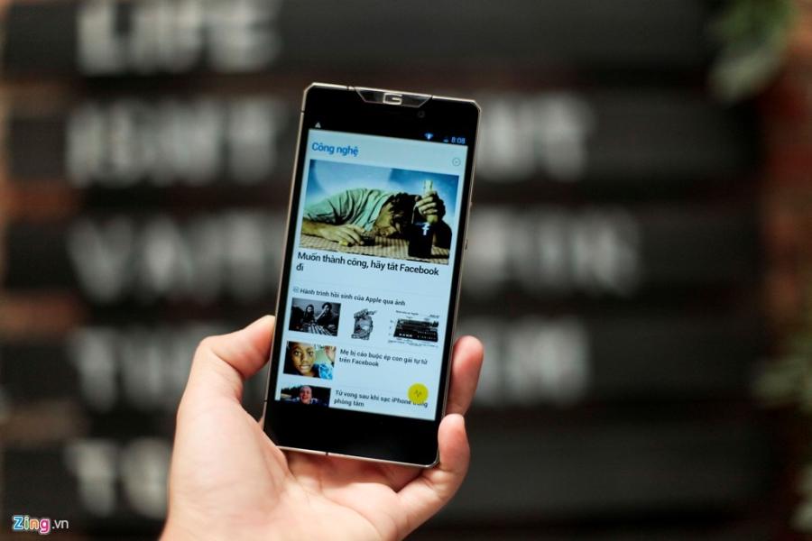 Smartphone sieu sang cua Nga ve VN gia 68 trieu dong hinh anh 14
