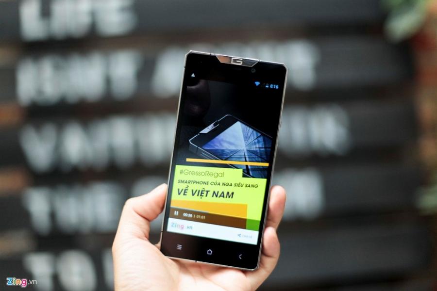 Smartphone sieu sang cua Nga ve VN gia 68 trieu dong hinh anh 16