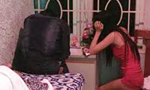 3 nữ nhân viên massage ở Sài Gòn bị khách chém