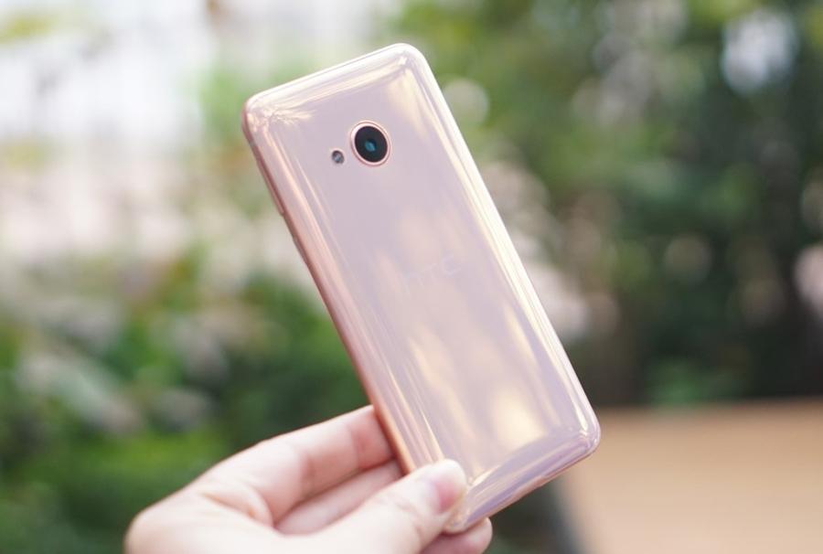 7 smartphone dang chu y vua ve Viet Nam hinh anh 2