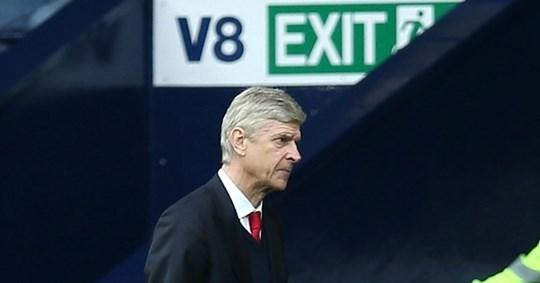 HLV Wenger đã không còn nhận được sự tin tưởng của các cầu thủ sau nhiều năm thất bại
