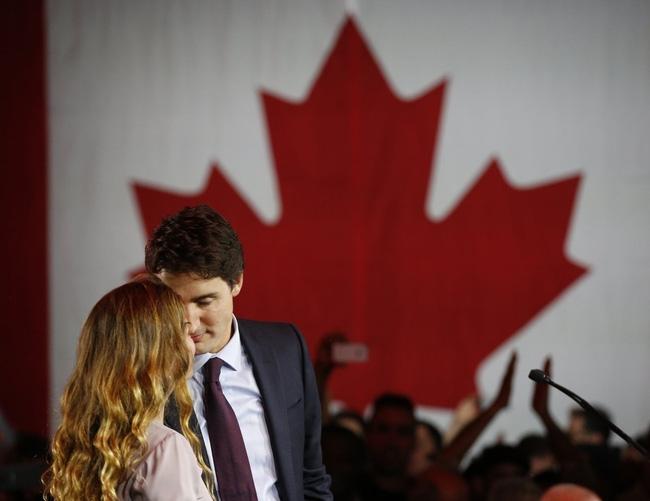 Chân dung người phụ nữ luôn sát cánh bên Thủ tướng Canada, vị chính trị gia quyến rũ nhất hành tinh - Ảnh 13.