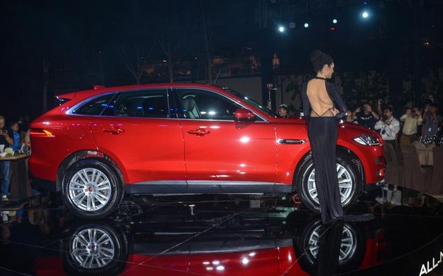 Đối thủ Porsche Macan, Jaguar F-Pace, chính thức ra mắt tại Việt Nam - Ảnh 3.