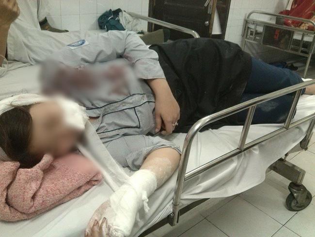 Hà Nội: Triệu tập 2 nghi can dùng tuýp sắt đánh nữ sinh lớp 10 nhập viện - Ảnh 1.