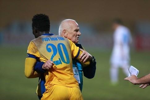 HLV Petrovic thừa nhận cầu thủ Thanh Hóa đã rơi vào thế việt vị - ảnh 1