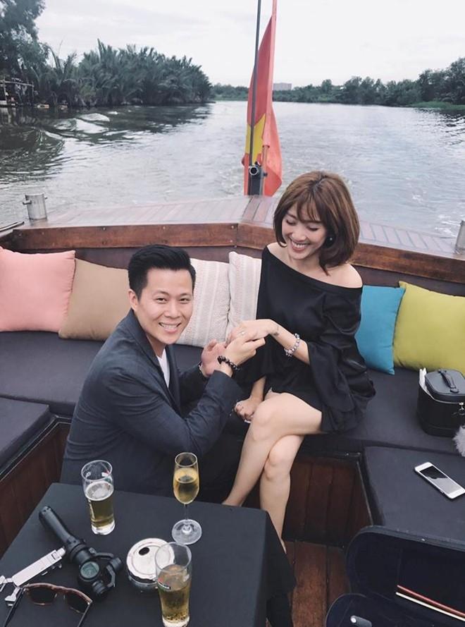 MC Yumi Duong duoc ban trai cau hon sau 3 nam hen ho hinh anh 1