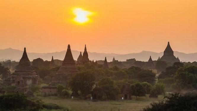 Cảnh chùa ở Bagan /// Shutterstock