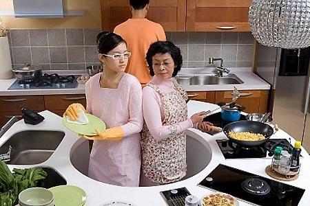 Kết quả hình ảnh cho cãi nhau với nhà chồng