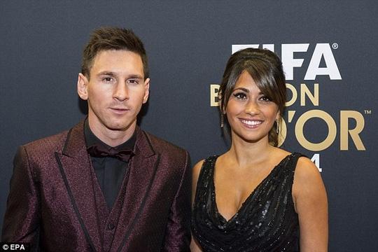 Messi sắp tổ chức đám cưới với bạn gái lâu năm Antonella Roccuzzo