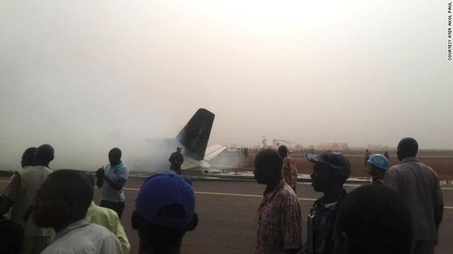 Tất cả 49 người đều sống sót thần kỳ trong tai nạn máy bay ở Nam Sudan - Ảnh 3.