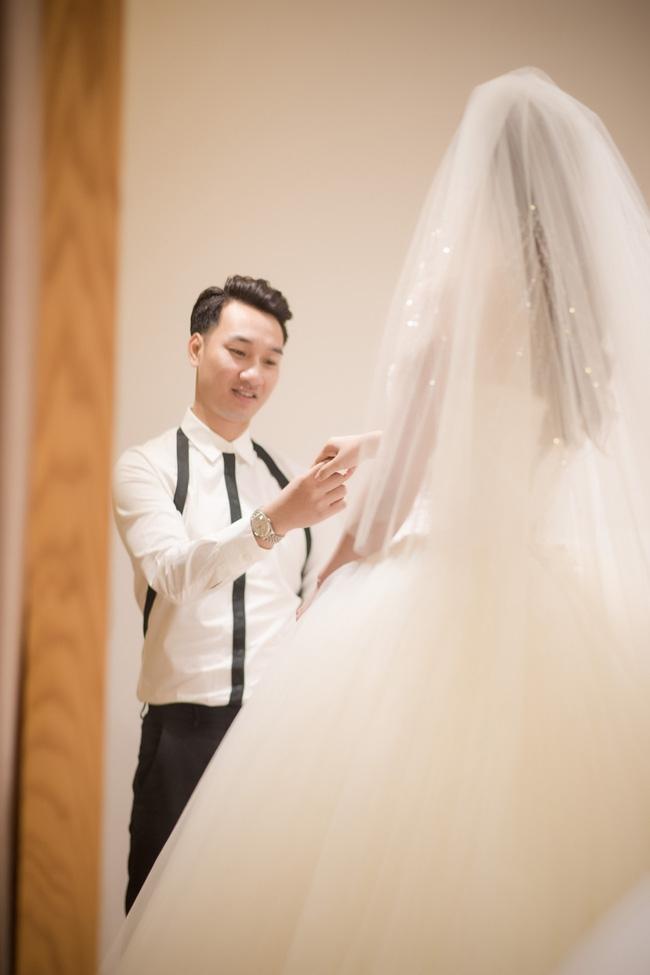Trước hôn lễ, MC Thành Trung và vợ tình tứ đi thử váy cưới - Ảnh 7.