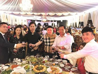 Hình ảnh đám cưới ở Ninh Bình mời toàn ngôi sao ca nhạc